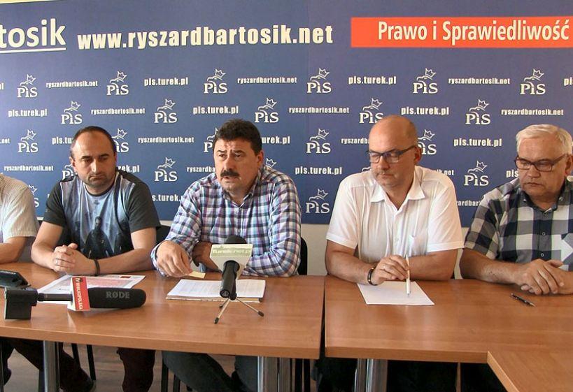 Wideo: Konferencja PiS w sprawie dotacji do remontu dróg na terenie powiatu