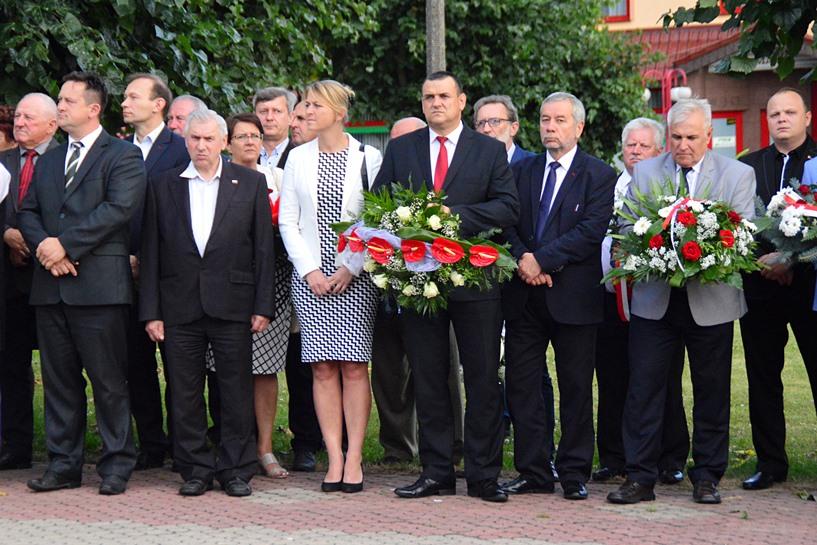 Dobra: Uczcili Dzień Walki i Męczeństwa Wsi Polskiej - foto: Arkadiusz Wszędybył