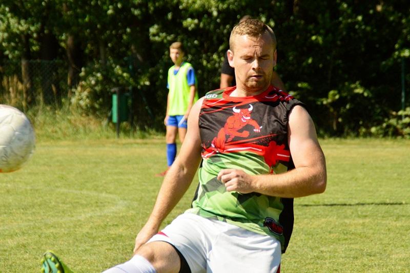 Grąbków: Turniejem uczcili 15-lecie Gminnej Ligi Piłki Nożnej w Malanowie - foto: Arkadiusz Wszędybył