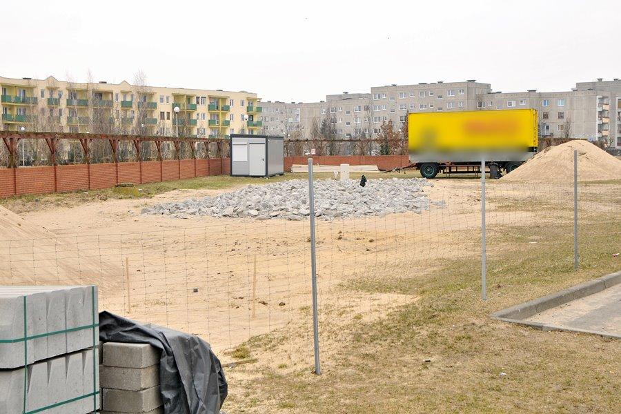 Myjnia na Wyzwolenia: Mieszkańcy osiedla złożą skargę na starostę - foto: Marcin Derucki