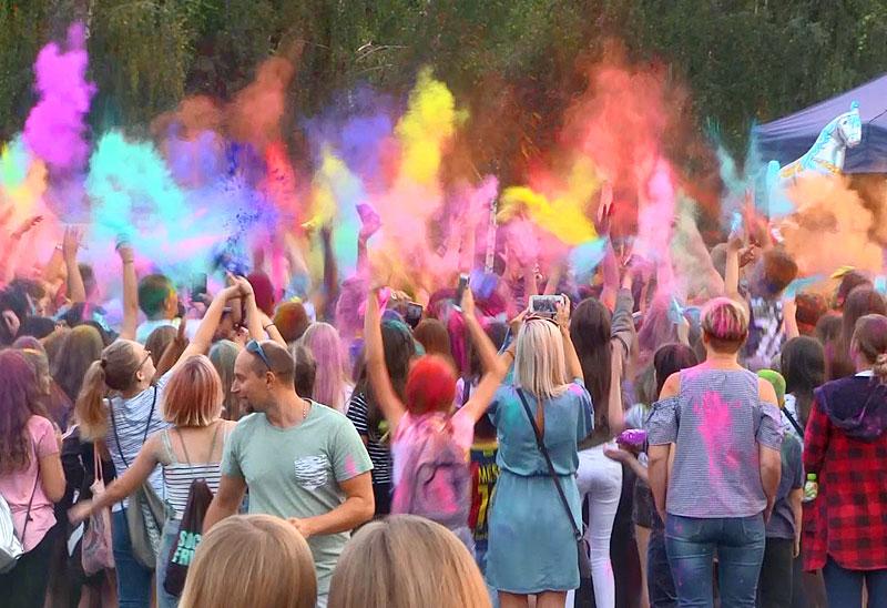 Wideo: Dzień Kolorów w Turku
