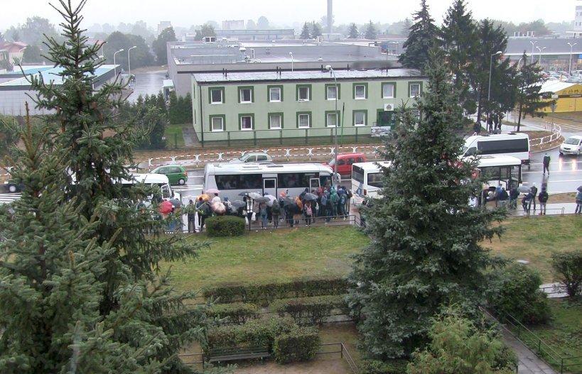 Syndyk sprzedaje tereny upadłego PKS. Komunikacyjnych chaos na Dworcowej trwa - foto: M. Sidorowicz
