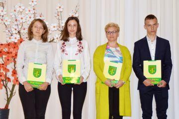 Malanów: Nagrodzili stypendiami młodych-zdolnych