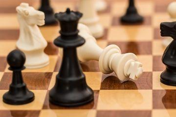Naucz się grać w szachy. Biblioteka zaprasza na...
