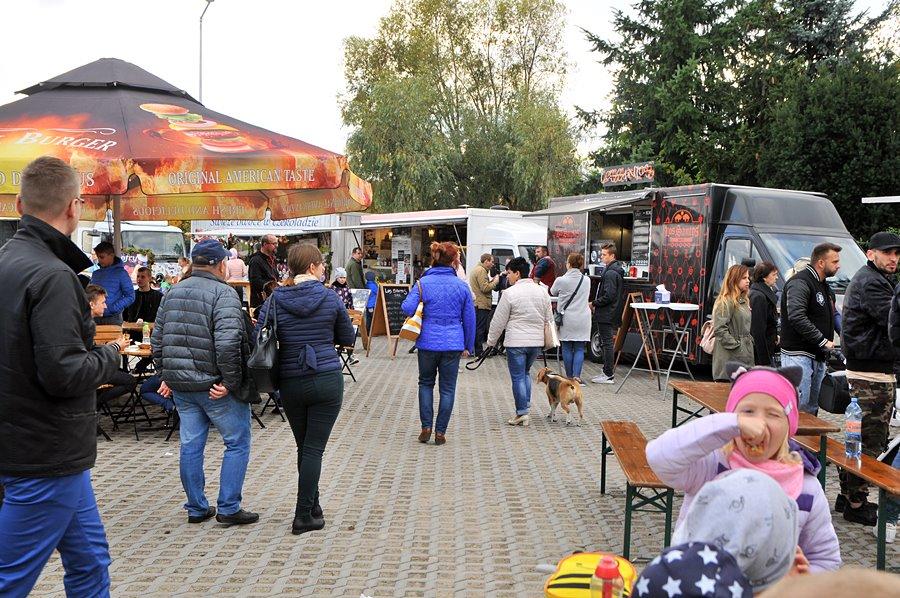 Turek: Trwa Festiwal Smaków Food Trucków - foto: M. Derucki