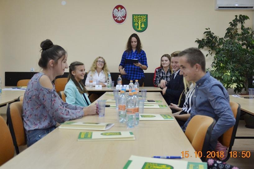 Malanów: Radni Młodzieżowej Rady Gminy złożyli ślubowanie - foto: malanow.pl