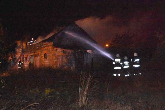 Gm. Malanów: Pożar pustostanu w Skarżynie-Kolonii