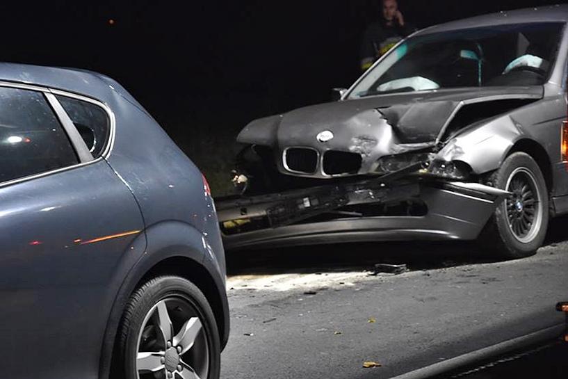 Grzymiszew: Miał BMW i prawie 3 promile. Uderzył w auta przed sygnalizacją