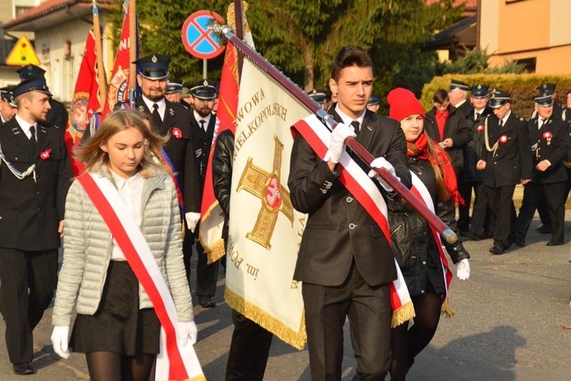 Malanów: Kochają Polskę, pamiętają o poświęceniu przodków. Udowodnili to 11 listopada - foto: Arkadiusz Wszędybył