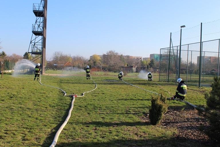 Ćwiczenia plutonu ratowniczego w PSP Turek