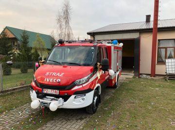 OSP w Kaczkach Średnich otrzymała nowy samochód ratowniczo-gaśniczy