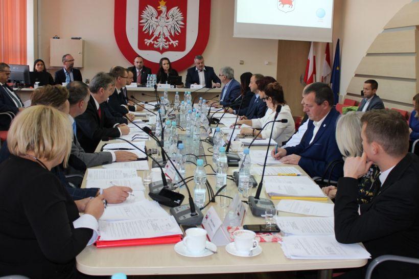 Turek: Radni rozdzieleni do prac w komisjach - foto: mastoturek.pl