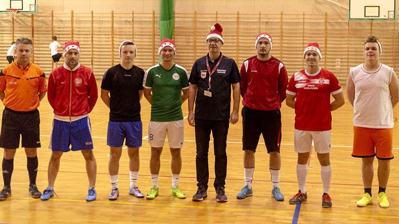 Mikołajkowy Turniej Piłki Nożnej o Puchar Burmistrza - Foto Arkadiusz Superczyński