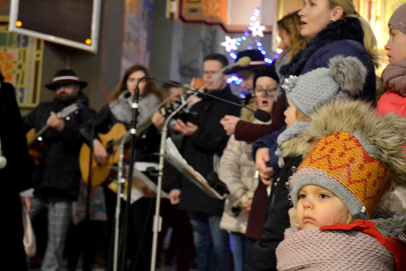 Orszak Trzech Króli wraz z wiernymi przemierzał ulicami Turku w 2019 - foto: Michał Sidorowicz
