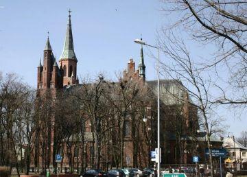 Przebudowa nadajnika na wieży kościoła pw. NSPJ...