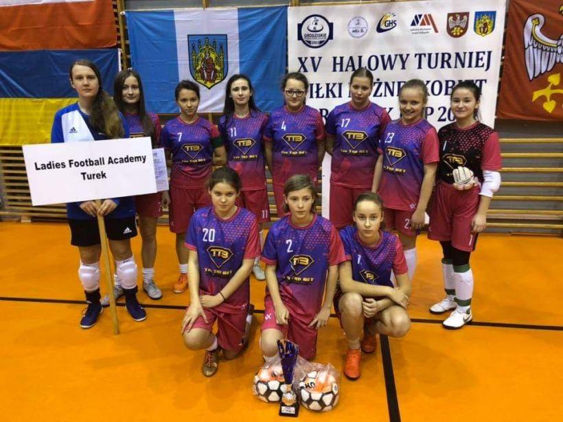 Dziewczęta z LFA Turek na Turnieju Grodzisk Cup 2019