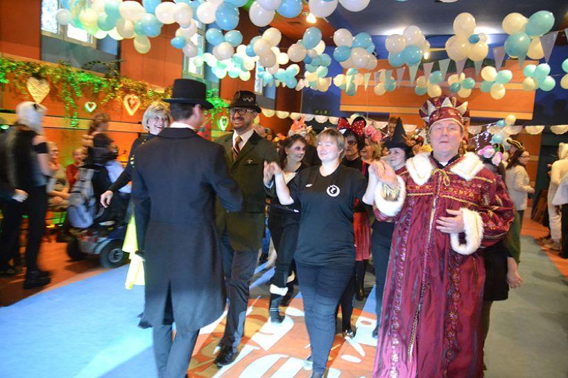 Bawili się podczas II Balu Karnawałowego Osób Niepełnosprawnych - foto: Michał Sidorowicz