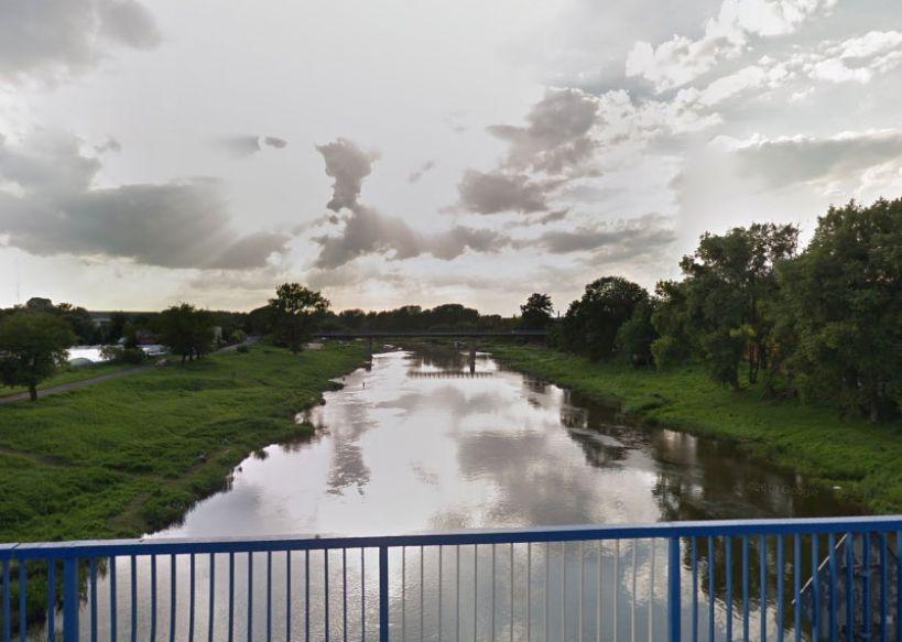 Niepokojące doniesienia w sprawie Michała Rosiaka. W Obornikach z Warty wyłowiono ciało mężczyzny - zdjęcie ilustracyjne - fot. Google Street View