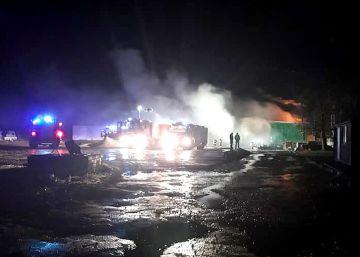 Nocny pożar suszarni tartaku w Długiej Wsi...