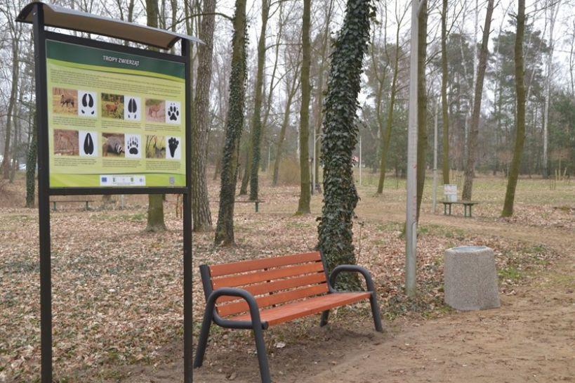 Odświeżony park w Malanowie. Gmina zadbała o wygodę nie tylko dla odwiedzających