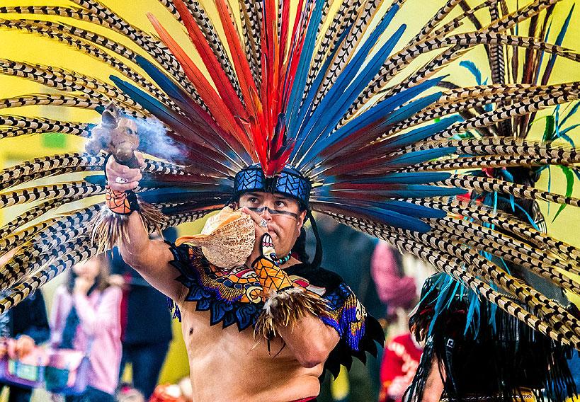 Indiańskie tańce i pokazy na POW WOW Uniejów 2019 - foto: Piotr Jan Gil