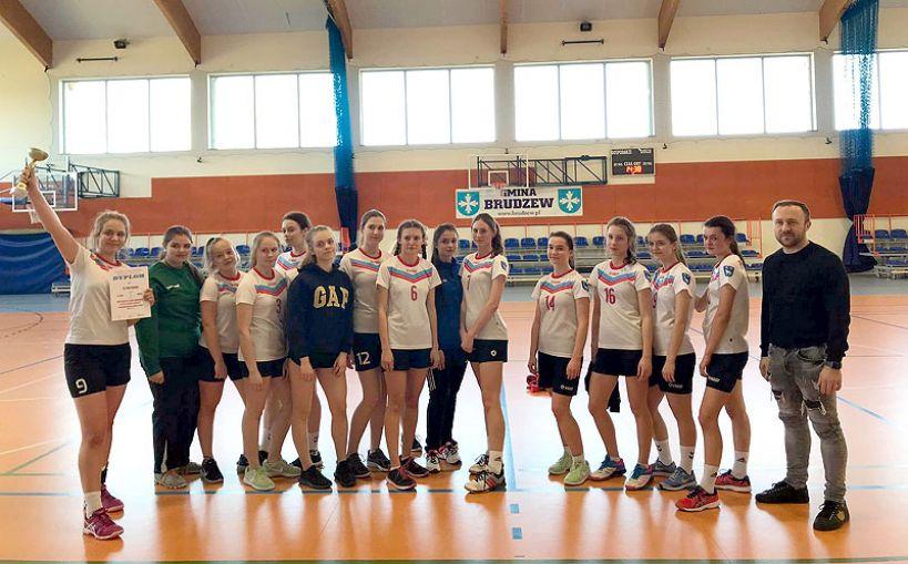 Uczennice ZS w Przykonie mistrzyniami Rejonu Konińskiego w piłkę ręczną