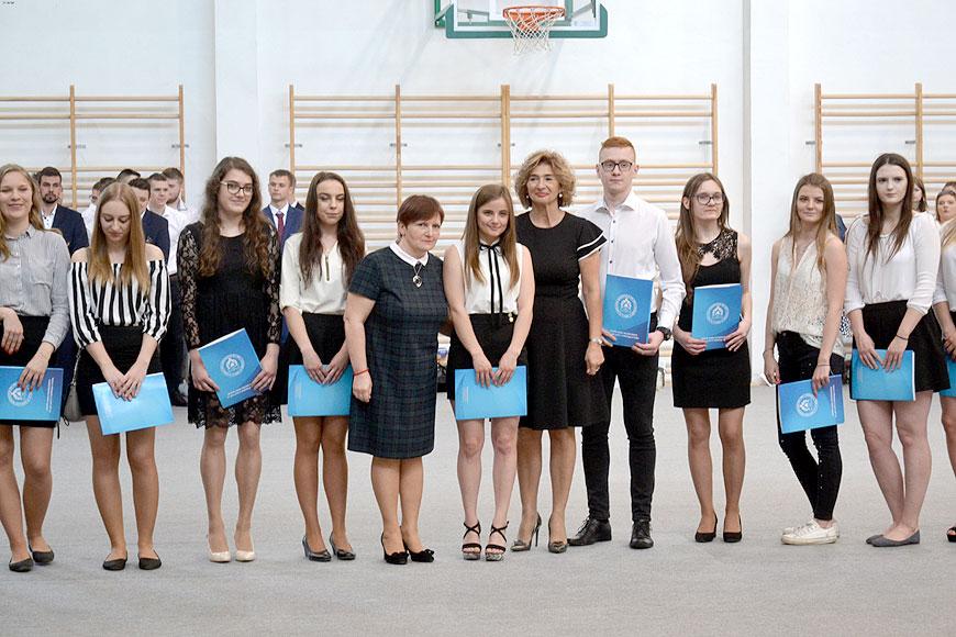Maturzyści ZST zakończyli naukę. Teraz czekają na egzaminy - foto: Mateusz Łechtański
