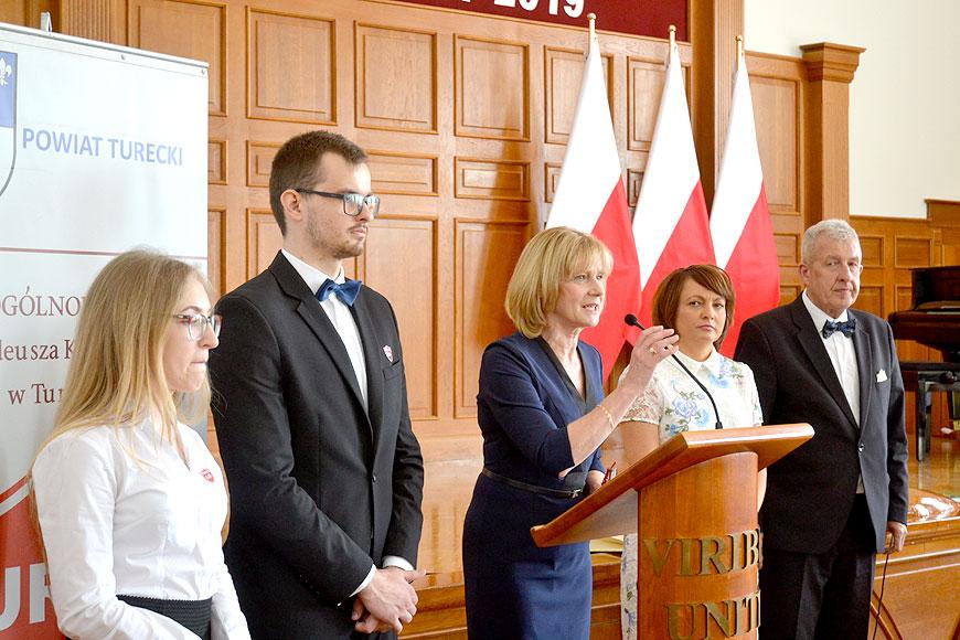 Dla maturzystów I LO dzwonek zabrzmiał po raz ostatni - foto: Mateusz Łechtański