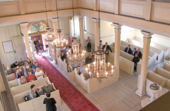 Wideo: Drzwi otwarte w Kościele...