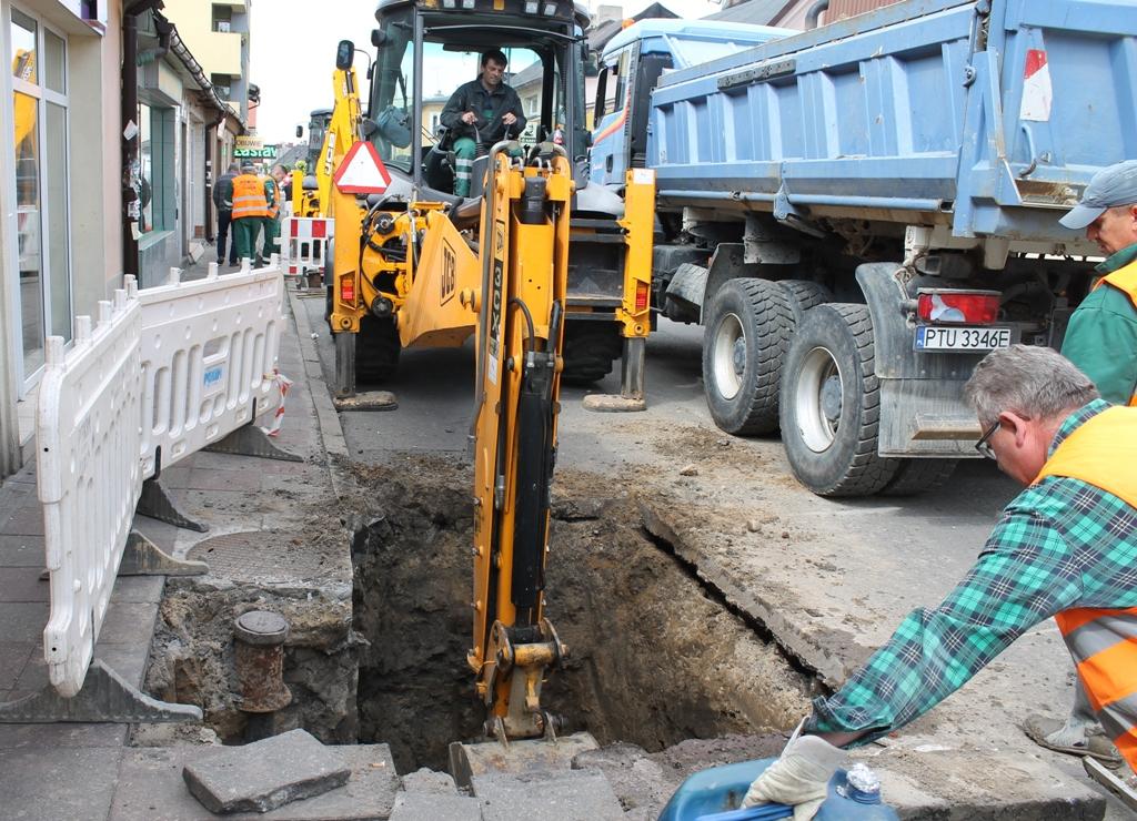 PGKiM modernizuje instalację pod deptakiem na ul. Kaliskiej