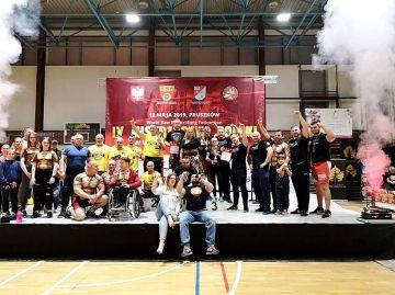 Zwycięstwo Konrada - Kondzio Fornalczyka podczas Mistrzostw Polski Raw WRPF - źródło: Mistrzostwa Polski Raw WRPF