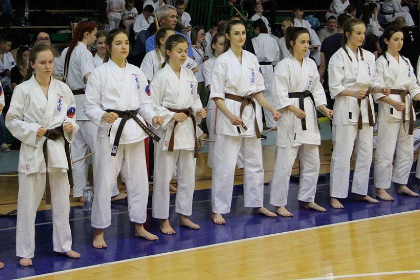 Zawodniczki z Turku na podium Mistrzostw Polski Oyama