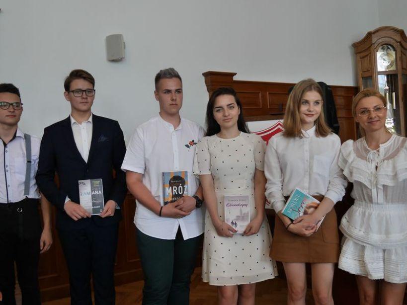 Zakończenie roku szkolnego w I LO. - foto. Zuzanna Szczepocka
