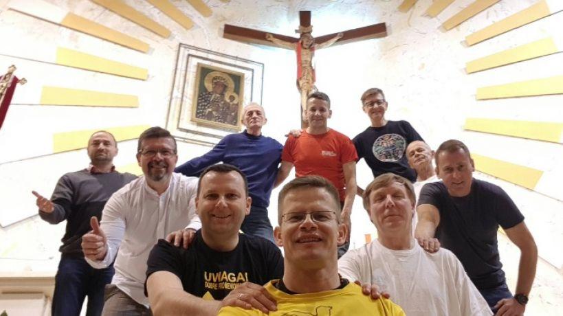 W cztery dni pokonają 280 km. Biegowa pielgrzymka do św. Jakuba dla Alicji