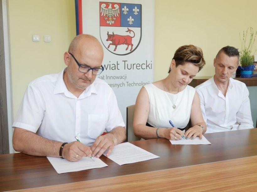 Wideo: Powstaje kolejny Rodzinny Dom Dziecka na terenie Powiatu Tureckiego.  - foto: Zuzanna Szczepocka