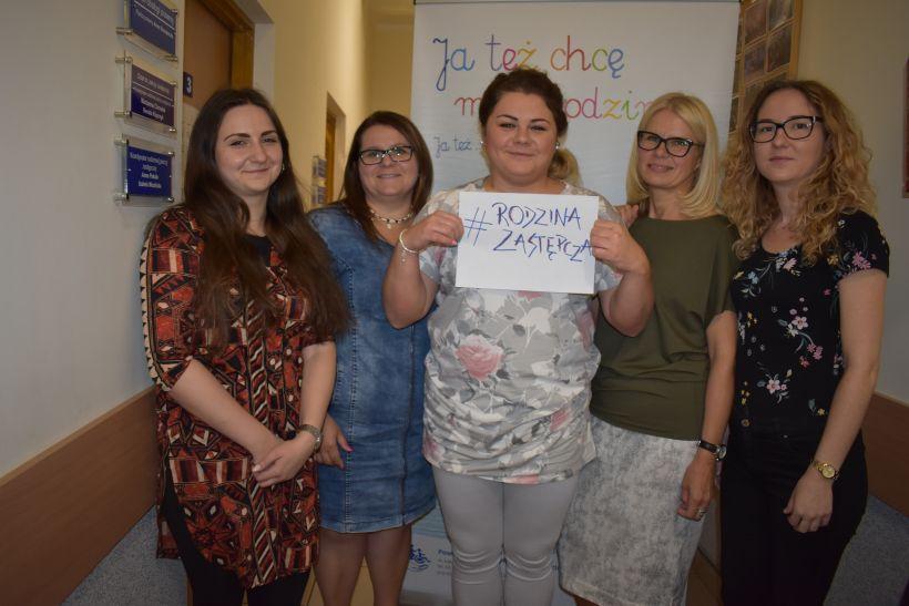 Wspieramy rodzicielstwo zastępcze - akcja hashtag