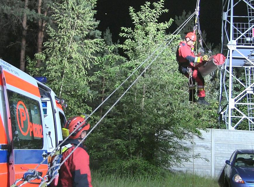 Wideo: 63-latek zasłabł na wieży obserwacyjnej. W godzinach wieczornych trwała akcja ewakuacyjna.