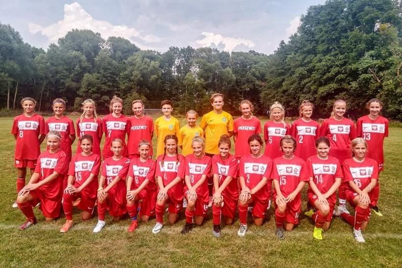 Dwie zawodniczki LFA Turek powołane do wielkopolskiej reprezentacji U-14 - źródło: LFA Turek