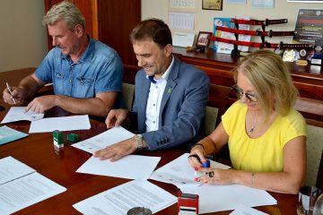 Umowa na budowę świetlicy wiejskiej w...