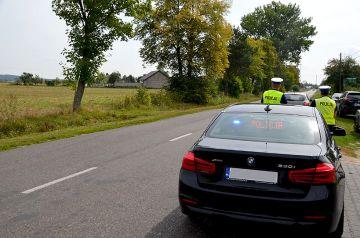 Noga z gazu! Nieoznakowane BMW patroluje powiat.