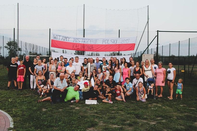 Mistrzynie Polski - KDP Kalinowa wróciły do domu powitane przez dumnych kibiców!