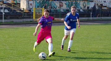 Julia Olek z Ladies Football Academy Turek...