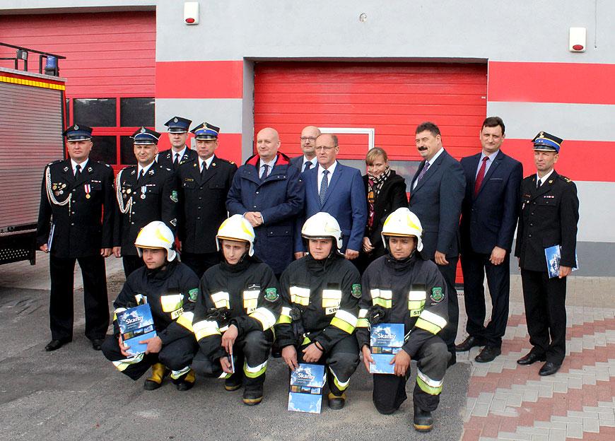 Umowa na samochód ratowniczo-gaśniczy dla OSP Kawęczyn - foto: PSP Turek