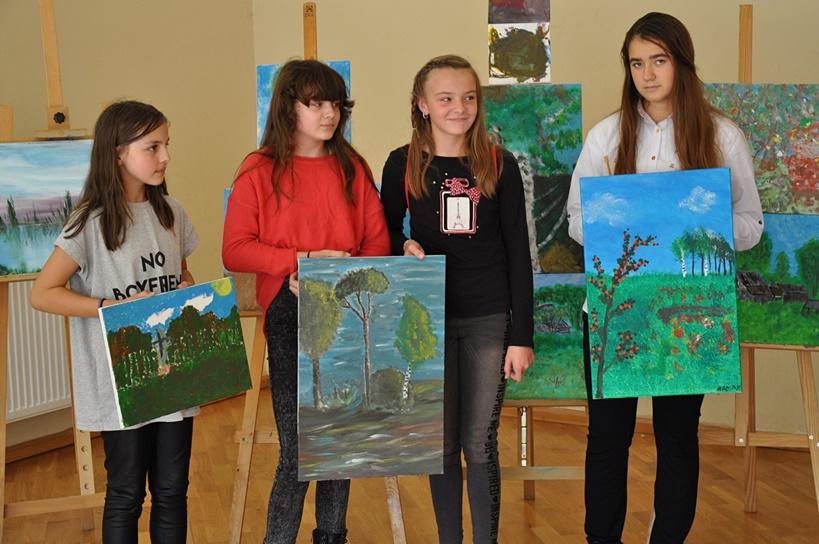 Ukazali piękno wsi Feliksów w czasie XIII Pleneru Malarskiego  - źródło: CKiBP