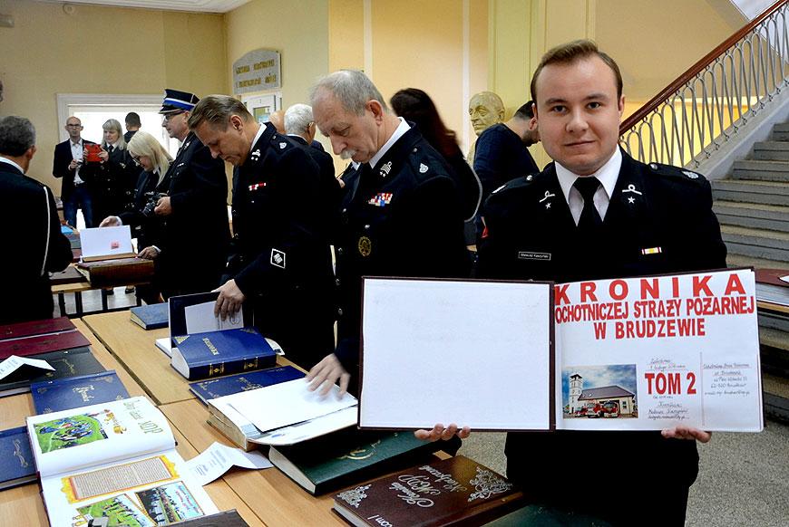 Wyróżnienie dla Mateusza Kaszyńskiego z OSP Brudzew w Ogólnopolskim Konkursie Kronik OSP - foto: FB OSP Brudzew