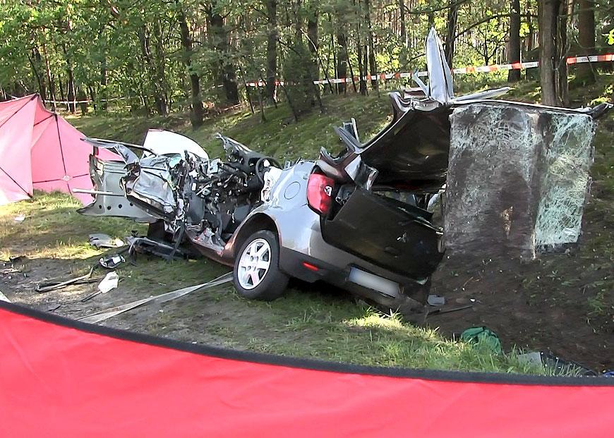 Wideo: Kolejna tragedia w Celestynach. Nie żyją dwie osoby z wypadku na DW470