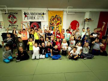 Nocne szkolenie samurajów w Klubie Sportów i...