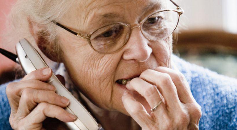 Kącik profilaktyka: Seniorze bądź ostrożny!  Nie wpuszczaj nieznajomych do domu!!!