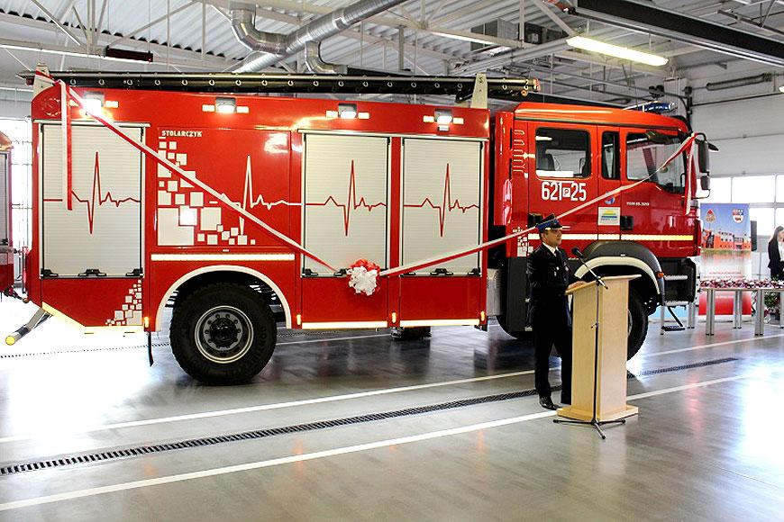 Strażacy z Komendy Powiatowej PSP w Turku otrzymali nowy ciężki samochód ratowniczo-gaśniczy - foto: PSP Turek