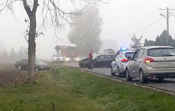 Gm. Brudzew: Zderzenie trzech aut na drodze...